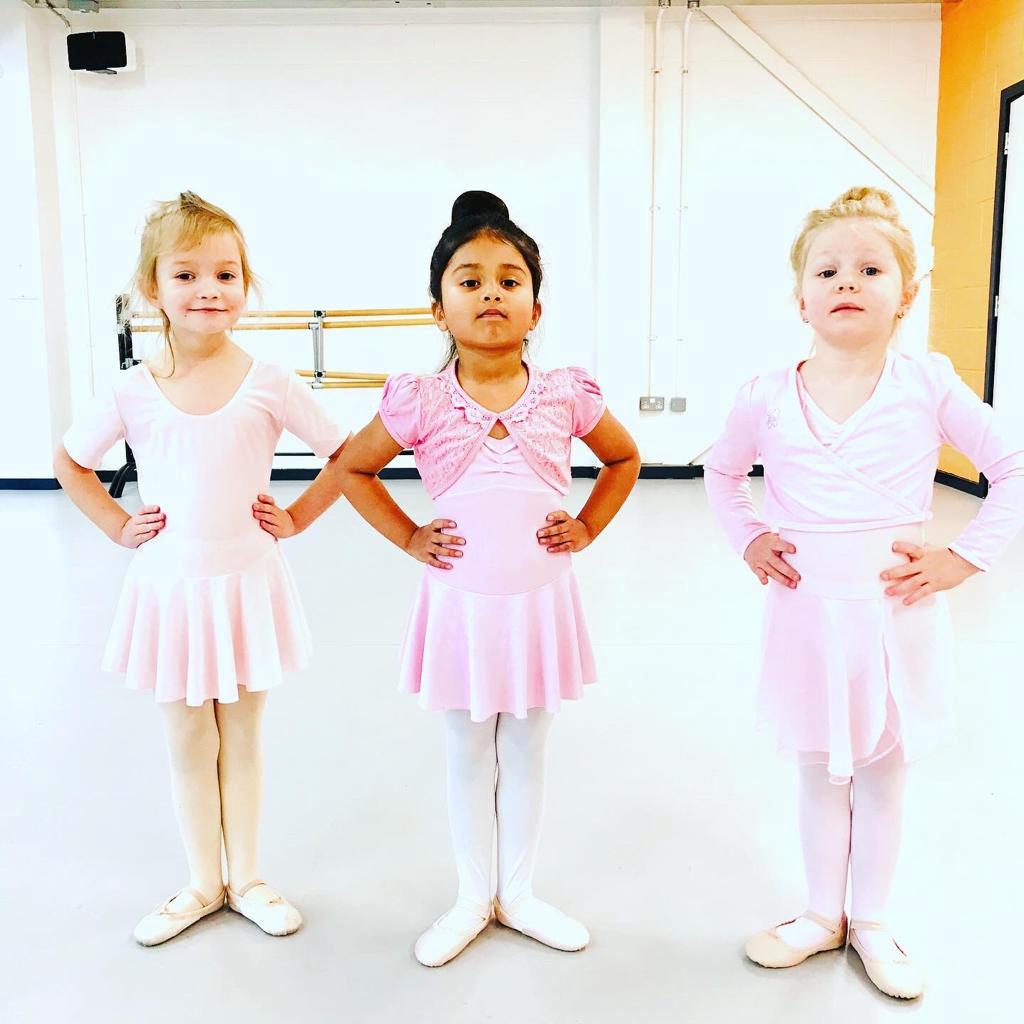 russian ballet school coventry-preschool ballet student